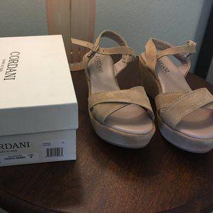Cordani platform sandals size 40 /9, Garda